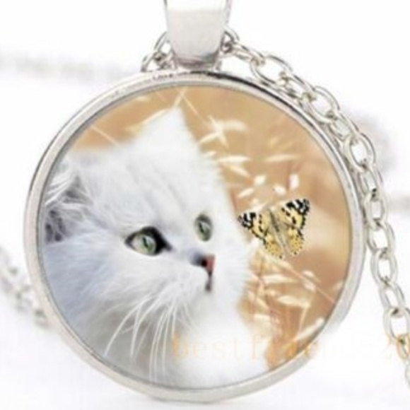 Jewelry - Necklace- NEW- White Kitty Cat and Butterfly